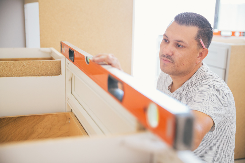 5 - Money Saving Tips for Kitchen Cabinets